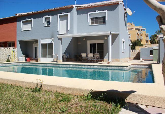 Alquiler Villa Denia-Villa con piscina-Josbel